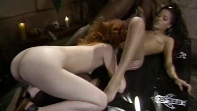 Fille flexible laisse porno francais mere fille un pénis fort dans son entrejambe rasée